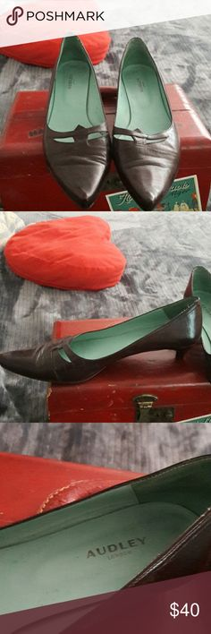 Brown Kitten Heels by Audly London Made in Spain lovely leather kitten heels very nice Audley of london Shoes Heels