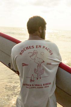 Camiseta masculina, t-shirt, camiseta surf, t-shirt surf, dupla face, estampada, florida, estonada. Graphic Shirts, Printed Shirts, T Shirt Surf, Surf Wear, Simple Shirts, Tee Shirt Designs, Apparel Design, Fashion Branding, Surfing