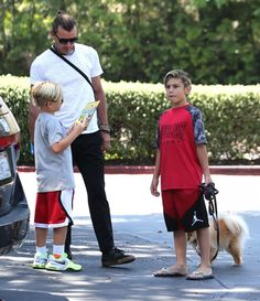 Kingston Rossdale Photos Photos - No Doubt singer Gwen Stefani and her kids take their dad Gavin Rossdale out for a family Father's Day lunch at Charlie's Pantry on June 21, 2015 in Los Angeles, California. - Gwen Stefani and Her Kids Take Dad Gavin Out for Father's Day Lunch