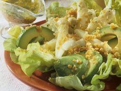 Avocado-Spargel-Salat mit Linsen-Vinaigrette ist ein Rezept mit frischen Zutaten aus der Kategorie Dressing. Probieren Sie dieses und weitere Rezepte von EAT SMARTER! Vinaigrette, Avocado, Eat Pray Love, Just Eat It, World Recipes, Eat Smarter, Lettuce, Potato Salad, Cabbage