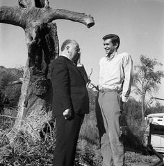 Director Alfred Hitchcock and Anthony Perkins on the set of Psycho, Alfred Hitchcock Quotes, Hitchcock Film, Norman Bates, Anthony Perkins, Indie Movies, Universal Pictures, Independent Films, Scene Photo, Documentary Film