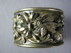 Deep Embossed Daisy Poppy Nouveau Floral Vintage Cuff Bracelet Silver Plate Bee