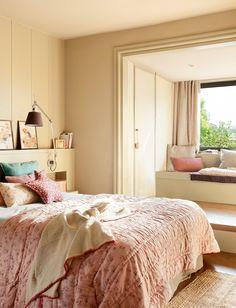 """au-chalet: """" (via Dulce, delicat și plin de căldură Jurnal de design interior) """" Warm Bedroom, Dream Bedroom, Home Bedroom, Bedroom Decor, Bedroom Colors And Moods, Home Interior, Interior Design, Girl Bedroom Designs, Suites"""