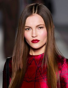 View all the photos of the beauty & make-up at the Aigner autumn (fall) / winter 2014 showing at Milan fashion week. Beauty Make Up, Hair Beauty, Trends, Mi Long, Backstage, Long Hair Styles, New York, Hairstyles, Fashion