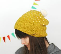 Ravelry: A Most Bespeckled Hat pattern by Alexandra Tinsley Cute Beanies, Cute Hats, Knitting Patterns, Crochet Patterns, Sewing Patterns, How To Purl Knit, Pom Pom Hat, Yarn Over, Tejidos