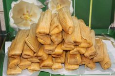 Today's topic is all about the history of tamales. I love tamales. I love good tamales. Some tamales I've had. Meat Recipes, Mexican Food Recipes, Food Processor Recipes, Snack Recipes, Cooking Recipes, Mexican Desserts, Smoothie Recipes, Cooking Tips, Dinner Recipes