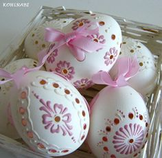 Do-it-yourself projects and craft ideas you can easily complete, no matter your skill level. Valentine Crafts, Easter Crafts, Types Of Eggs, Egg Shell Art, Carved Eggs, Egg Designs, Faberge Eggs, Egg Art, Christmas Snowflakes