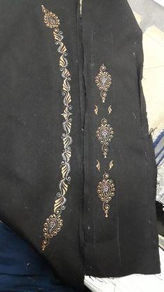 Kurta Designs, Blouse Designs, Fashion Suits, Mens Fashion, Mens Shalwar Kameez, Border Embroidery Designs, Designer Punjabi Suits, Gold Work, Embroidered Blouse