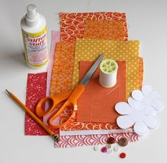 How About Orange: Fabric flower tutorial Card Tutorials, Quilting Tutorials, Sewing Tutorials, Sewing Crafts, Fabric Flower Tutorial, Fabric Flowers, Crafts To Make, Diy Crafts, Scrapbooking