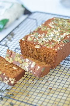 A low carb bread, adapted from here and here , that looks and tastes like the real sandwich bread! Lowest Carb Bread Recipe, Low Carb Bread, Protein Bread, Grain Free Bread, Sweet Bakery, Gluten Free Grains, Baked Pumpkin, Recipe For Mom, Healthy Baking