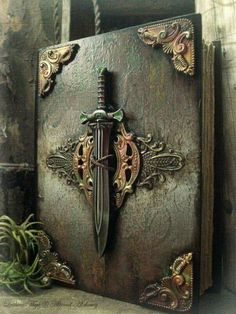 The Seafarer's Sword - Luthien Thye // this could totally be Merlin's (or Morgan's) lost grimoire Handmade Journals, Handmade Books, Altered Books, Altered Art, Art Sculpture, Magic Book, Leather Books, Journal Covers, Blank Journal