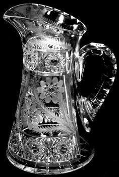 Antique Glassware, Antique Perfume Bottles, Cut Glass Vase, Glass Art, Vase Cristal, Heat Resistant Glass, Crystal Glassware, Crystal Collection, Carnival Glass