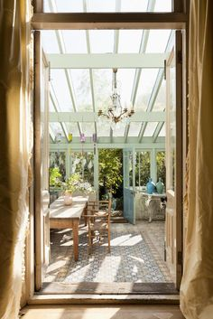 1000 images about greenhouse on pinterest greenhouses for Sunroom attached to house