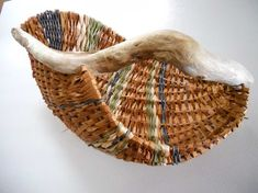 Basket Cedar Bark Contemporary by DiscoveryBay on Etsy Diy And Crafts, Arts And Crafts, Rustic Baskets, Pine Needle Baskets, Pine Needles, Weaving Art, Textiles, Basket Weaving, Driftwood