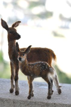 Needle Felted Wool Mother Deer and Fawn