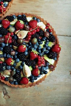 Mascarpone Cream Tart with Fresh Fruits