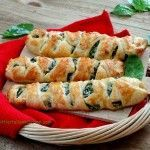 Easy puff pastry roll with ricotta and spinach