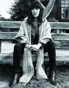 Leslie Feist, her voice is beautiful