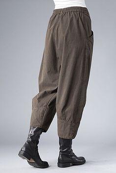 Trousers Hadio, for layering Lagenlook Fashion Moda, Fashion Pants, Boho Fashion, Fashion Outfits, Sewing Pants, Sewing Clothes, Mode Ab 50, Cool Outfits, Casual Outfits