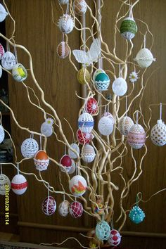 Crochet Christmas Ornaments, Holiday Crochet, Christmas Crafts, Easter Tree, Easter Wreaths, Easter Eggs, Diy Osterschmuck, Easter Crochet Patterns, Diy Easter Decorations