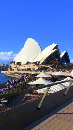 Loved my trip to Sydney. Here's a shot i took of the Sydney Opera House and the cute restaurants. Opera House, Sydney, Restaurants, Places To Visit, Australia, Building, Top, Travel, Viajes