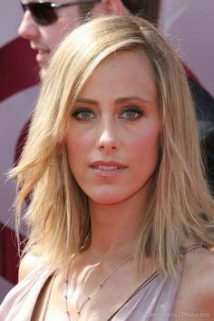 Kim Raver in Cool Medium Haircut with Hot New Sexy Salon Blowout - Beautiful Hairstyles