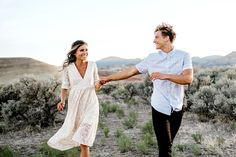 Country Engagement Photos Free People engagement session dress - For a couple as bright beautiful as Inna Igor, a lively backdrop, like the beautiful Painted Hills of Oregon, was definitely the right choice for their engagement session! Captured by Karina