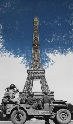 Eiffel Tower - Paris  American soldiers at Eiffel Tower, 25 August 1944. Then and Now. #travel #France #Paris  http://www.guiddoo.com/