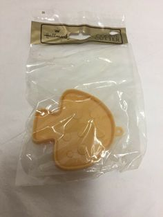 Hallmark Plastic Cookie Cutter Mushroom Nature 1960 s Spring Vintage in Package Christmas Cookie Cutters, Christmas Cookies, Paint Cookies, Baking Items, Vintage Cookies, Cookie Exchange, Christmas Baby, Cool Items, Tea Party