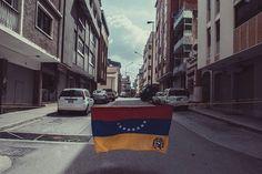 Foto de @otografo Desconocer el gobierno estar en resistencia ante las adversidades    #dia113 de #protesta #Trancazo #350 #333  #resistencia #YoSoyLibertador #libertad  #NiUnChamoMenos  #09J #09Jul #ccs #caracas #caminacaracas