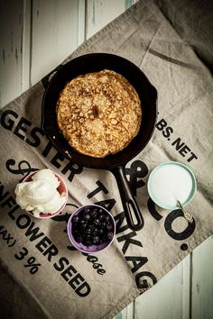 Crispy Swedish pancakes with sparkling water (+ English translation)