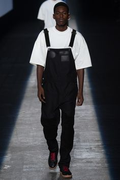 Alexander Wang Spring 2016 Ready-to-Wear Fashion Show - Sheani Gist