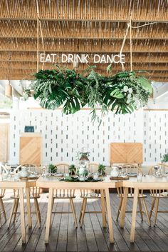 20 Amazing Hanging Greenery Floral Wedding Decorations for Your Reception – Oh Best Day Ever 20 Amazing Hanging Greenery Floral Wedding Decorations for Your Reception Mediterranean island wedding reception with hanging greenery Wedding Reception Table Decorations, Floral Wedding Decorations, Reception Party, Reception Ideas, Wedding Greenery, Tropical Wedding Reception, Rustic Wedding, Wedding Flowers, Industrial Wedding