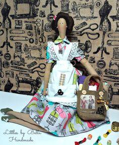 Questa bambola è pronta per la spedizione!! ! (dalla prima foto). la bambola con lana toccato i capelli, è sold out e è fatte su ordinazione.