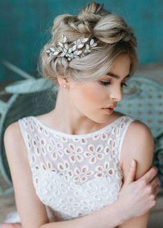 hair piece Bridal Comb, Hair Comb Wedding, Headpiece Wedding, Wedding Hair Pieces, Bridal Headpieces, Wedding Makeup, Wedding Hair Accessories, Wedding Hairstyles, Bridal Hairstyle