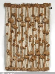 Sheila Hicks (no further information available). Weaving Textiles, Weaving Art, Tapestry Weaving, Tapestry Wall Hanging, Textile Fiber Art, Textile Artists, Sheila Hicks, Fabric Manipulation, Textures Patterns