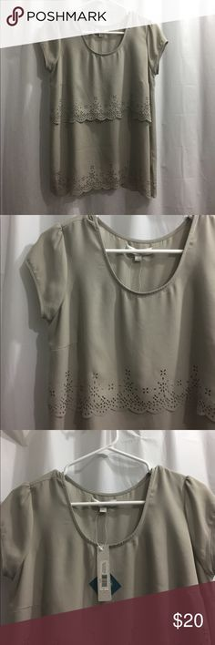 NWT Tres Jolie Blouse Paloma Gray New with tags! Never worn Blouse by the brand Downeast! Fits true to size S! Beautiful scalloped detailing Tops Blouses