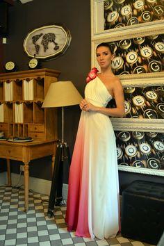 50d8fd3de8e Платье универсального размера 42-46. Цвет градиент молочный-фуксия. Юбка из  шифона