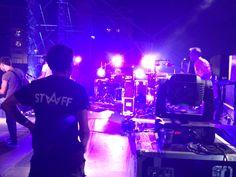 El Backline de Izal durante el concierto de Izal en No Sin Música 2014, con nuestro STAFF.