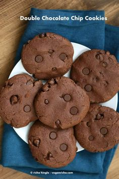 Vegan Double Chocolate Chip Cookies   Vegan Richa