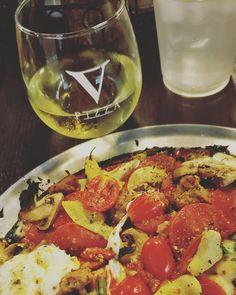 Pizza Vegetariana (cauliflower crust) with pepperoni and sausage. Was sooooo good. 😋🍕🍕🍕😋 #vpizza #tomato #sauce #fresh #mozzarella #mushroom #artichoke #garlic #spinach #cherry #tomato #bemaifoodie