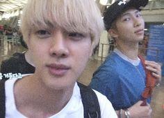 Namjin, Seokjin, Jung Hoseok, Bts Memes, Yoongi, Wattpad, Worldwide Handsome, Foto Bts, Bts Jin