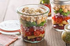 Layer colorful beans, crumbled feta and Italian dressing in this Layered Bean Salad with Feta. This bean salad is prepared in canning jars for easy packing. Mason Jar Meals, Meals In A Jar, Canning Jars, Mason Jars, Kraft Recipes, Kraft Foods, Food Dishes, Side Dishes, Dishes Recipes