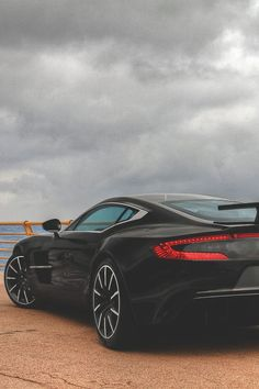 FULL THROTTLE : Photo #AstonMartinOne77