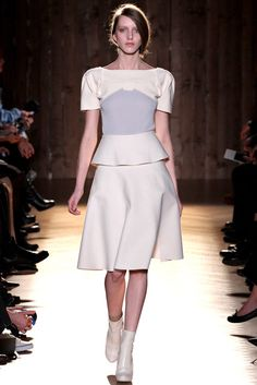 Roland Mouret | Fall 2012 Ready-to-Wear Collection | Vogue Runway