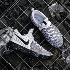 pretty nice 0483e be798 Nike Zoom KD 9 EP (844382-100) Oreo White Black Pre Order and Release on 3  Jan  solecollector  dailysole  kicksonfire  nicekicks  kicksoftoday   kicks4sales ...