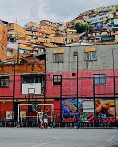 """Jacob Crompton en Instagram: """"• this is medellín - the people, the colours, the vibrancy, and the way of life in comuna 13 and the whole city will leave you with a smile…"""" Way Of Life, Times Square, Colours, Smile, City, People, Travel, Instagram, Viajes"""
