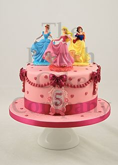 Cakes For Girls - Gateau D'anniversaire Pour Enfants Filles - Verjaardagstaart Princess Disney Cake, Prince Cake, Fiesta Cake, 3rd Birthday Cakes, Barbie Cake, Dessert Decoration, Disney Cakes, Drip Cakes, Party Cakes