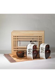 쫄깃쫄깃한 참조기 굴비살을 태양초고추장으로 정성껏 볶아 만든 남도의 전통 볶음굴비! @롯데백화점 수산 Sleeve Packaging, Cool Packaging, Tea Packaging, Brand Packaging, Packaging Design, Food Graphic Design, Japanese Packaging, Property Design, Wayfinding Signage