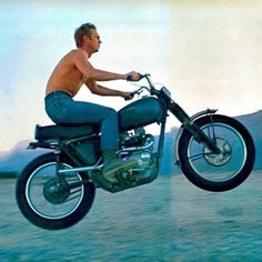 Bike icon wheels Ideas for 2019 Steve Mcqueen Triumph, Steve Mcqueen Motorcycle, Steve Mcqueen Style, Motorcycle Men, Motorcycle Style, Bonneville Motorcycle, Steeve Mcqueen, Bike Icon, Triumph Motorcycles